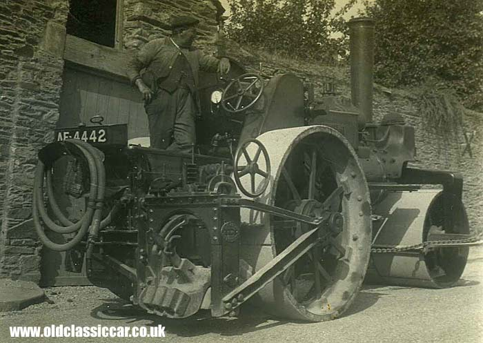 Steam road roller Britannia