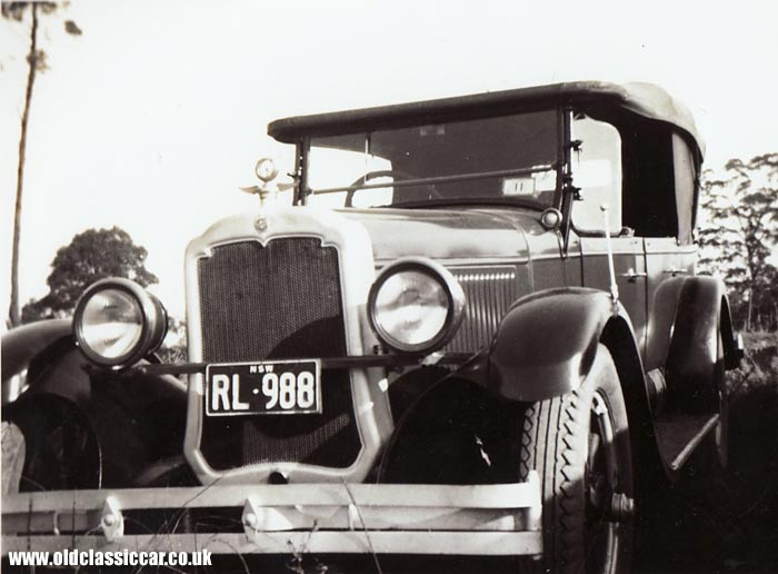An antique 1920s Oldsmobile touring car