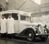 Vauxhall 25hp ambulance with the ARP service