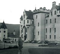 Coach and cars at Blair Atholl Castle