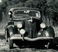 A 1936 Ford car