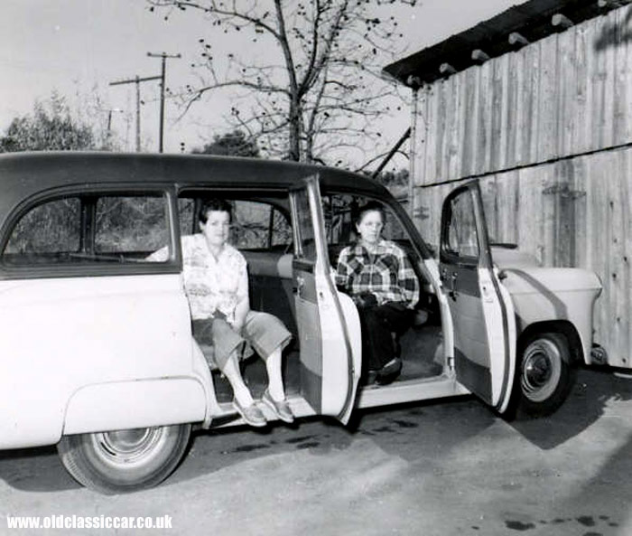 B/W photo of the same Handyman estate car