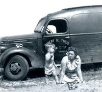 International van from 1937 or 1938