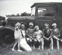 Pre-war Morris Commercial van