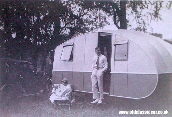 An old caravan from the 1930s