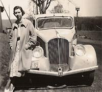 An American photo from the 30s showing a Willys Sedan