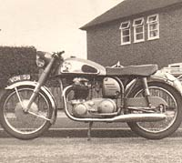 Side view of the Norton Dominator motorcycle
