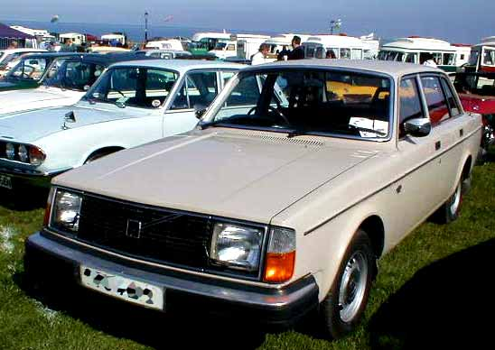 Volvo 244 DL photograph