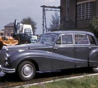 Colour photo of a 346 Sapphire