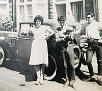 The family with the Austin 7