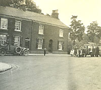 Car and char-a-banc, Waggon and Horses pub, 1916