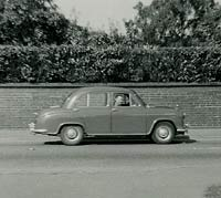 Side view of another Morris Oxford