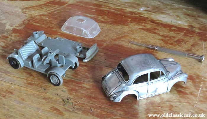The Morris Minor with no paint on it