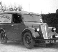 A Morris Y van
