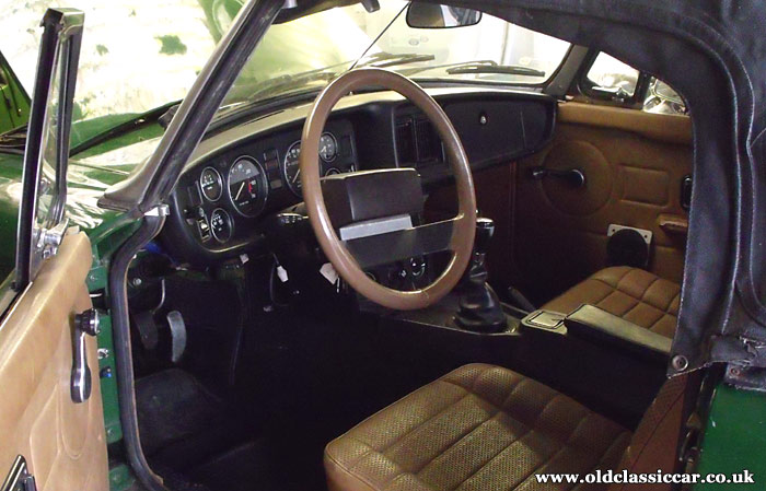 Rover SD1 steering wheel in the MGB