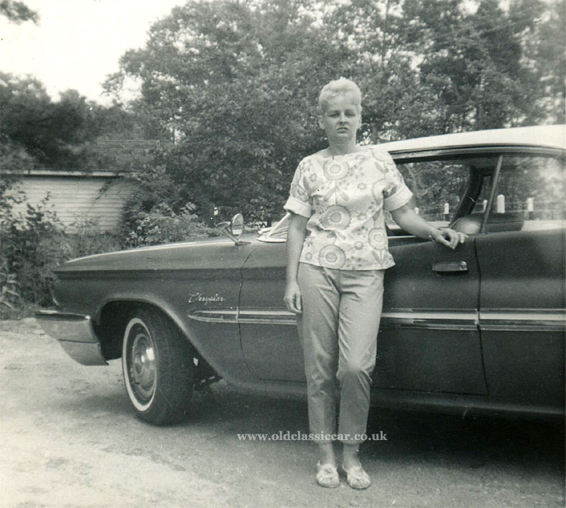 Cars and people, photos from the 1930s to the 1950s.