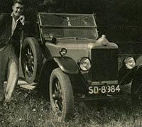 1925 Standard V3 tourer car