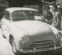 A Syrena 100 saloon car