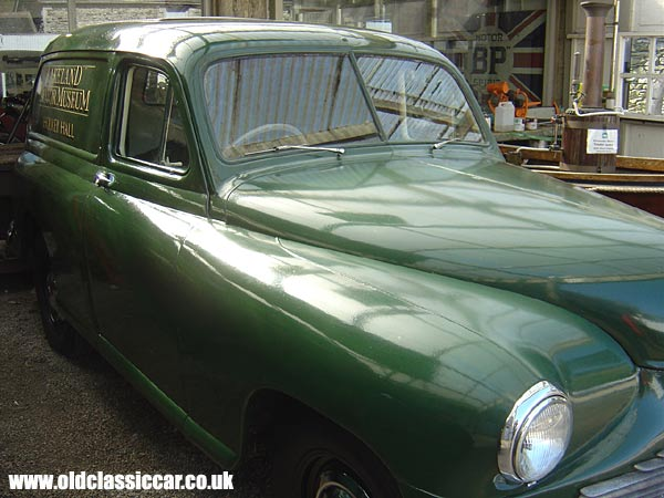 Photo of Standard Vanguard Phase 1 van at oldclassiccar.