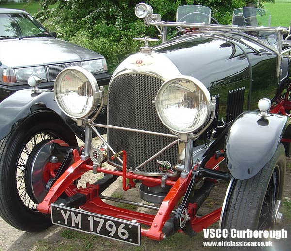 Photo showing Bentley Tourer at oldclassiccar.co.uk.