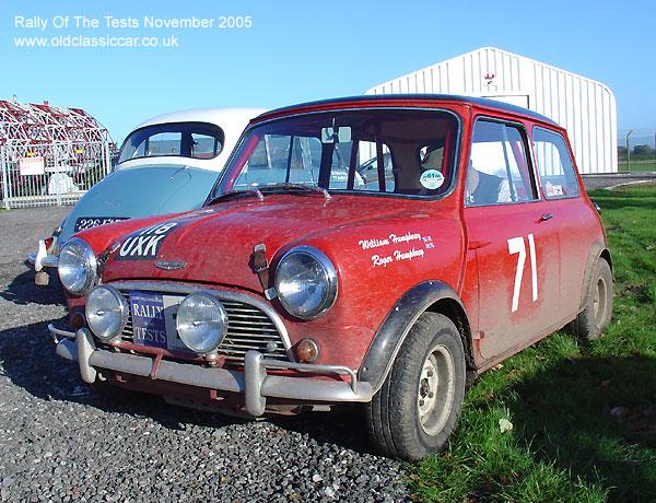 Mini Cooper Classic Red. Classic Austin Mini Cooper 997